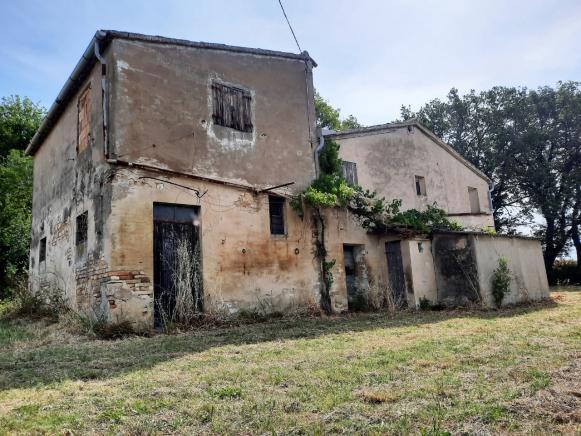Pesaro - zona novilara - rustico-casolare-cascina in vendita