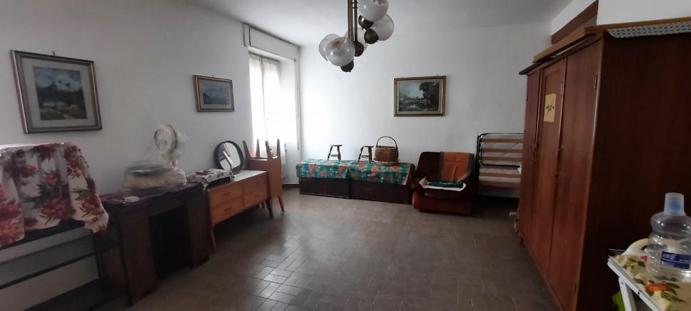 PESARO ZONA CATTABRIGHE SCHIERA DI TESTA IN VENDITA