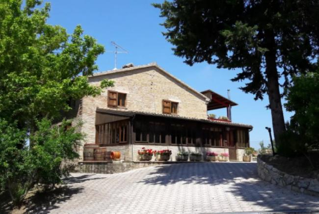 Mombaroccio - zona  - casale in vendita