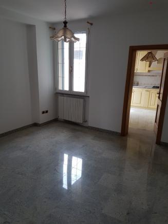 Pesaro - zona pantano - schiera centrale in vendita