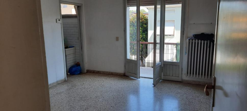 Pesaro - zona calcinari - unifamiliare semindipendente in vendita